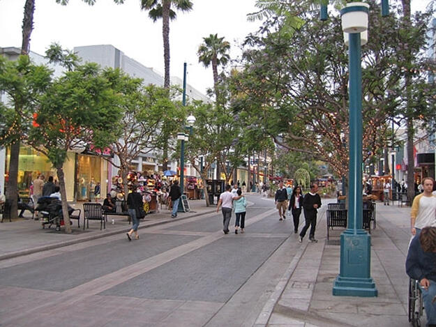 Los Angeles Ucuncu Cadde