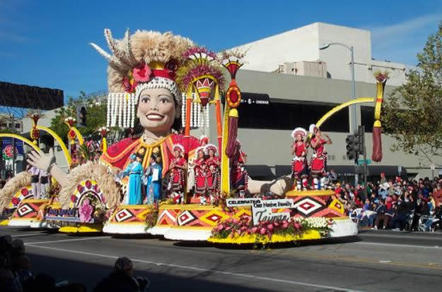 Rose Parade Gullerin Festivali Los Angeles